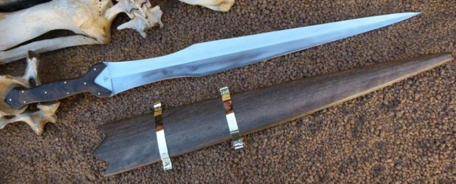 "This sword reminiscent of ancient celtic times an the ""Lord of the ...: www.kappetijnknives.com/xproducts.php?pm=p&ident=506479"