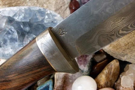 handmade-damascus-knives-swords-&-axes