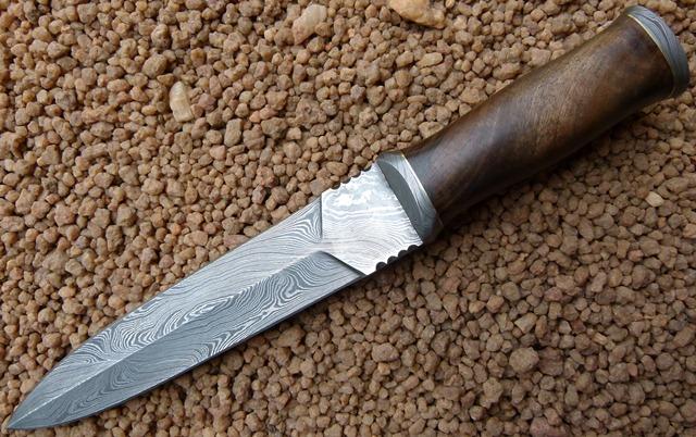 damascus-daggers