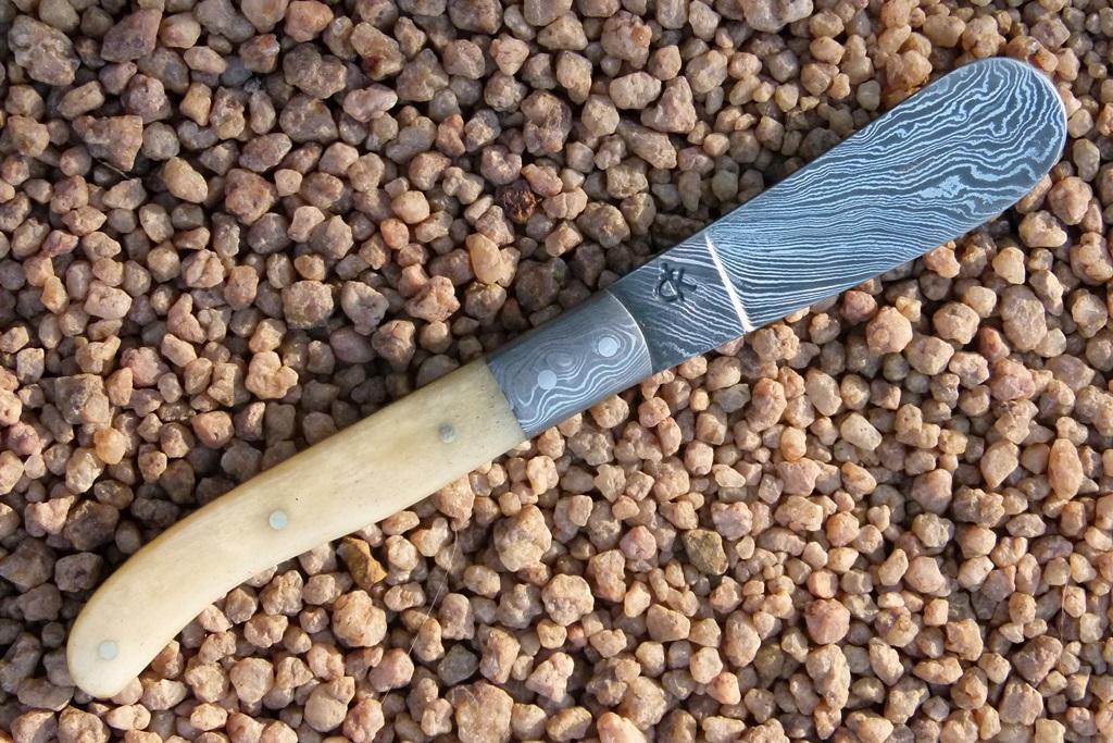 damascus-butter-knives